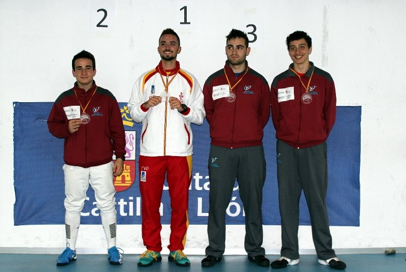 Podio Junior masculino 800